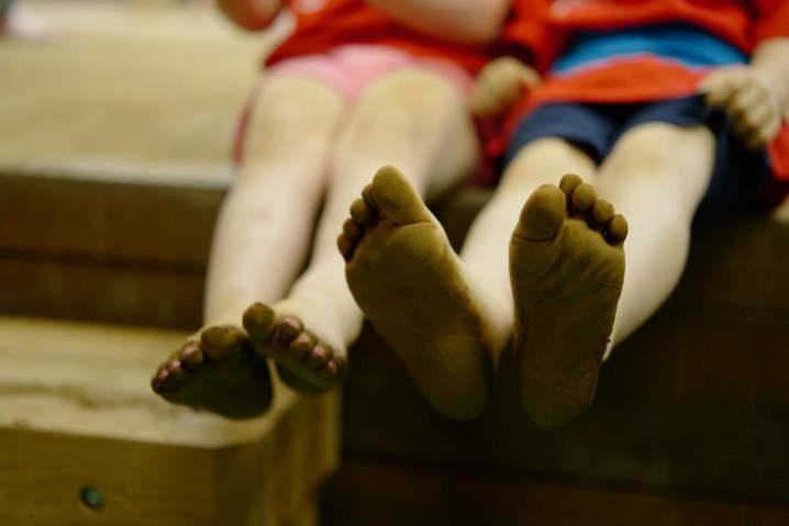 「貴乃花親方のインターナショナル相撲教室」子供たちの足